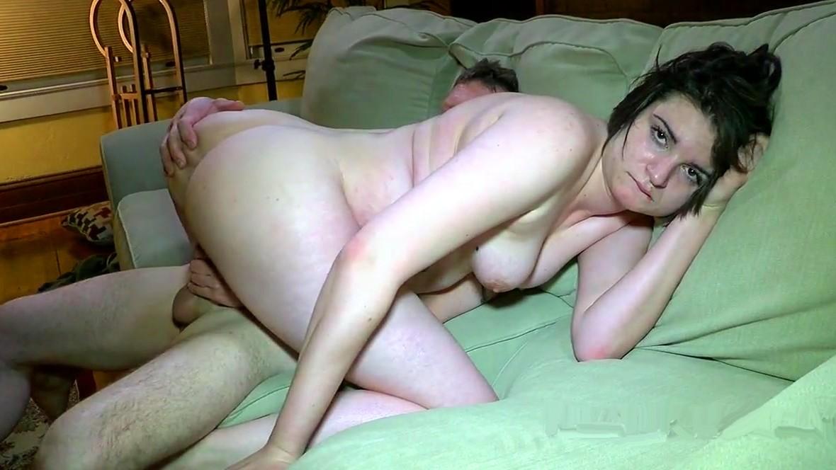 seks-foto-chastnie-domashnee-zhestkaya-eblya-s-mokroy-pizdoy
