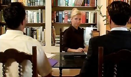Порно бизнес вумен в попку ролики