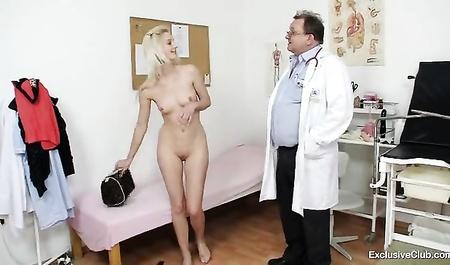 Порно видео с соседкой по площадке 10