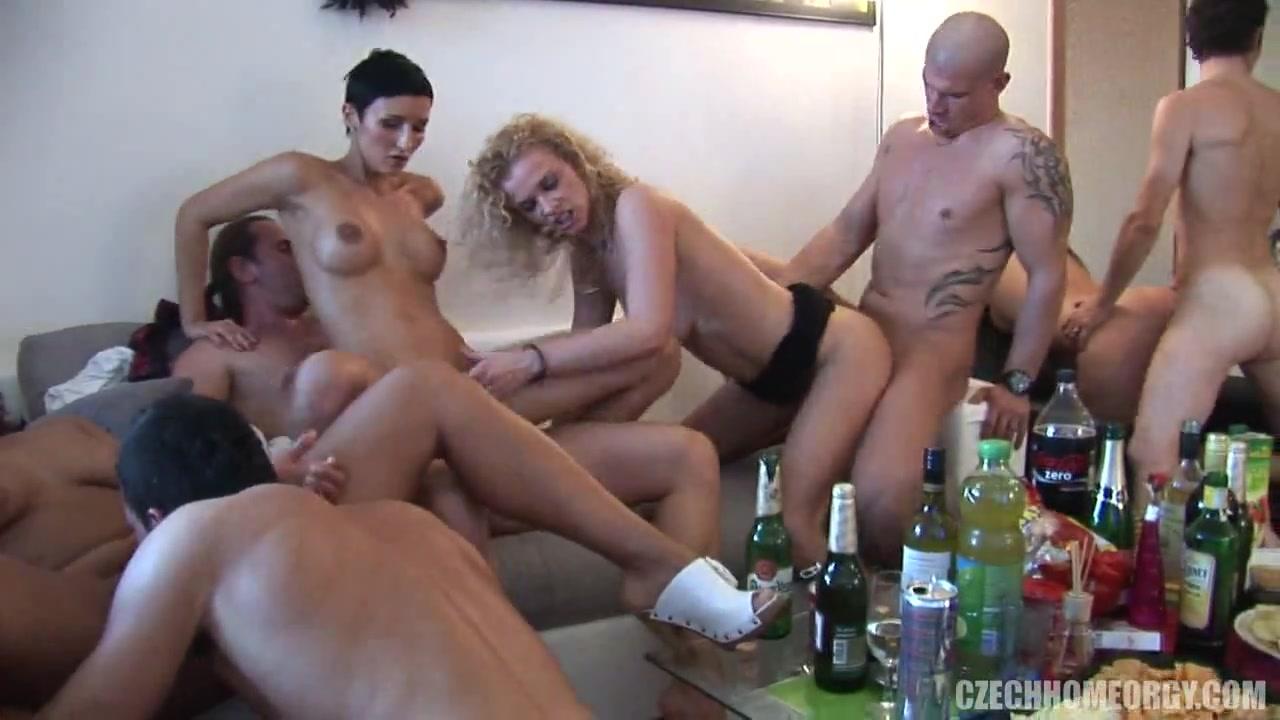 Порно вечеринка пьяных русских свингеров