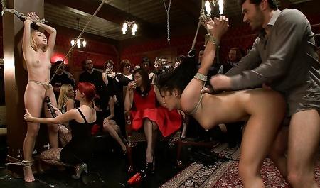 Лесбиянки бдсм вечеринка
