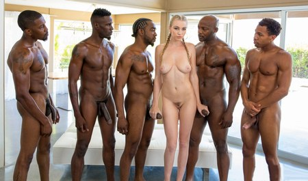 Черные парни из гетто сношаются с красивой блондинкой с косичкой во все дырки