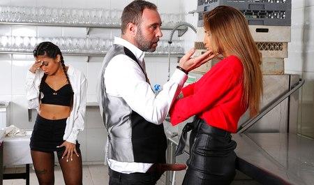 Милфа палит секс мужа с телкой и сама порется с супругом
