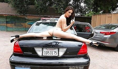 Фото порнуха видео с полицейской кричала