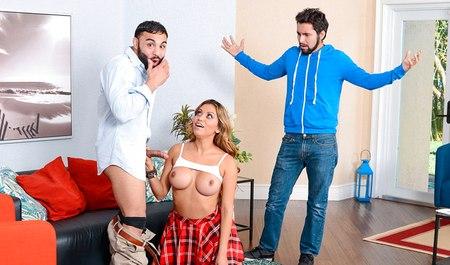 Молодая деваа ссорится с любимым и ищет утешение на большом члене арабского мужика