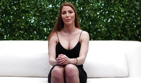 Групповой порно кастинг с писингом из россии