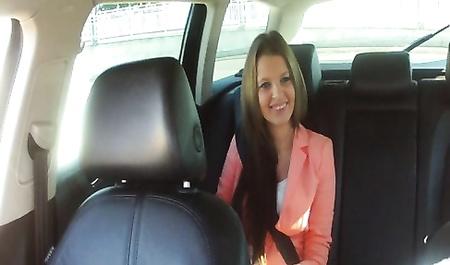 Таксист трахнул девку