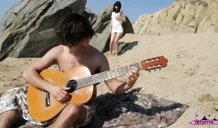 Пикник на море со сладким минетом