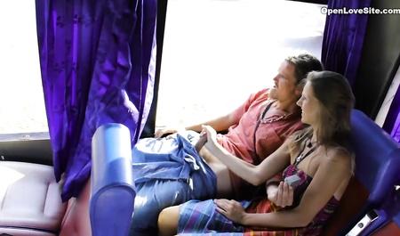Анальный секс в автобусе, порно онлайн румыния куни