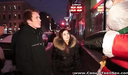 Желания парня исполняют дед Мороз и девушка
