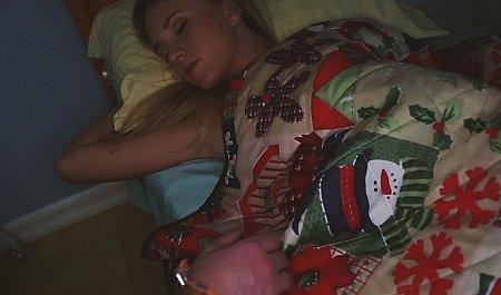 Сладкий ночной минет от молодой жены