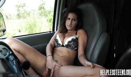 Порно кастинг подобрал на дороге и наказал