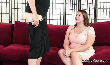 Толстая телка получает сперму в киску во время горячего секса с психотерапевтом