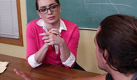 Молодой студент шарахает преподавательницу колледжа большим прибором