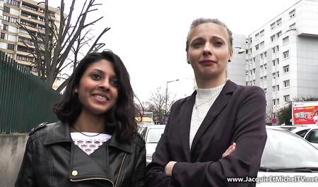 Молодые француженки навещают студентов для бурной оргии