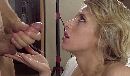 Любительское видео жесткого секса с красивой блондинкой
